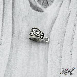 Tibeti ezüst díszes medáltartó