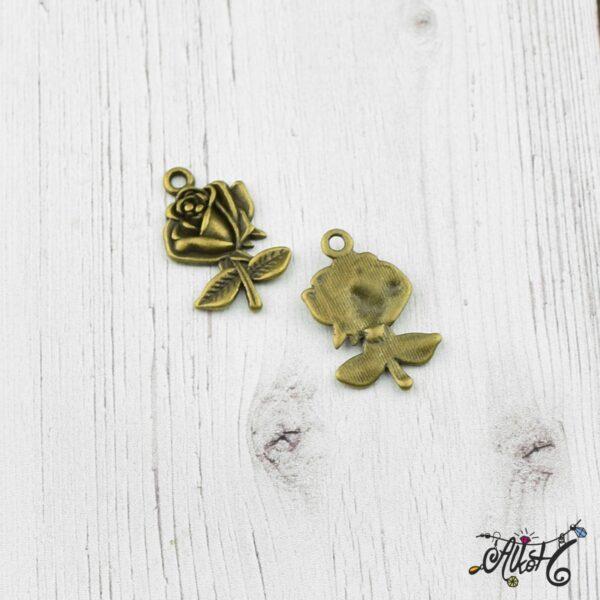 Rózsa fityegő, medál 2