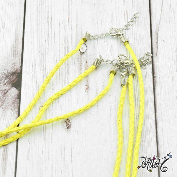 citromsarga-mubor-csavart-nyaklanc-alap