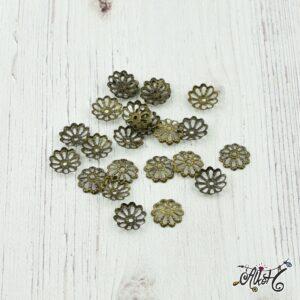 Gyöngykupak antik bronz, virág – 8mm (10 db)