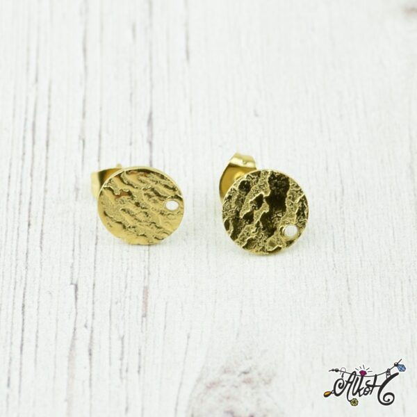 arany-bedugos-fulbevalo-alap-csikos